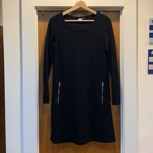 Black thick 3/4 sleeve GAP dress - M - so comfy!